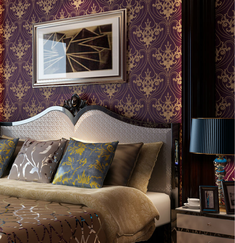 Damask Style Bedroom: Luxury Victorian Vintage Golden Damask On Purple Wallpaper