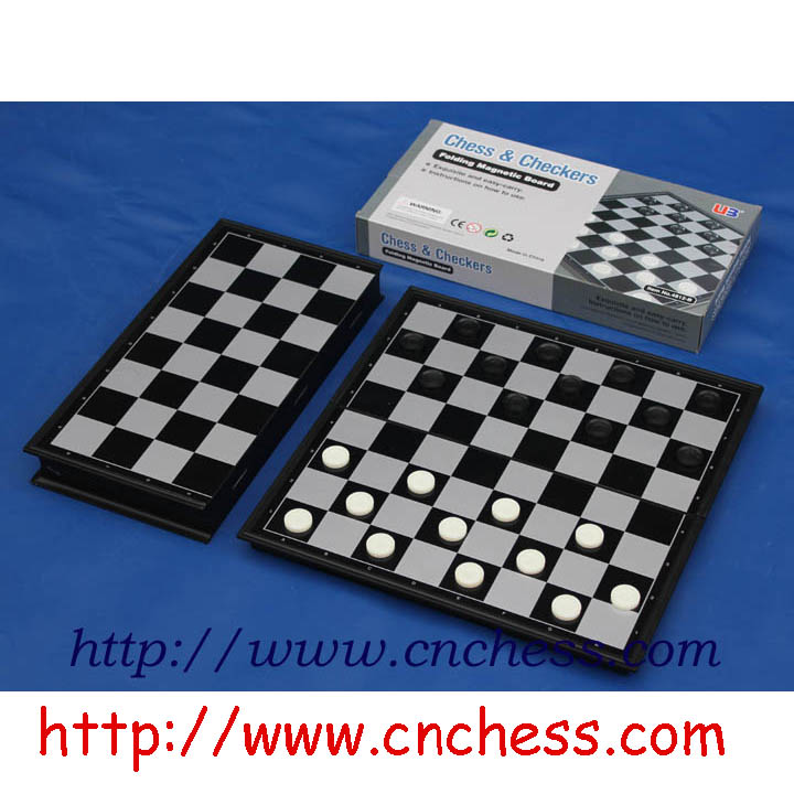 50 Pieces Plastic Chess Checkers Leisure Fun Toy for Board Games Green