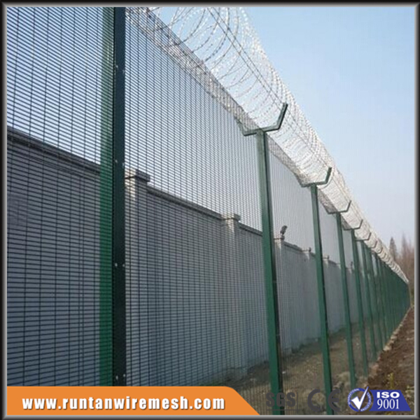3510 High Security Welded Mesh Fence As Safety Fencing For Airport ...