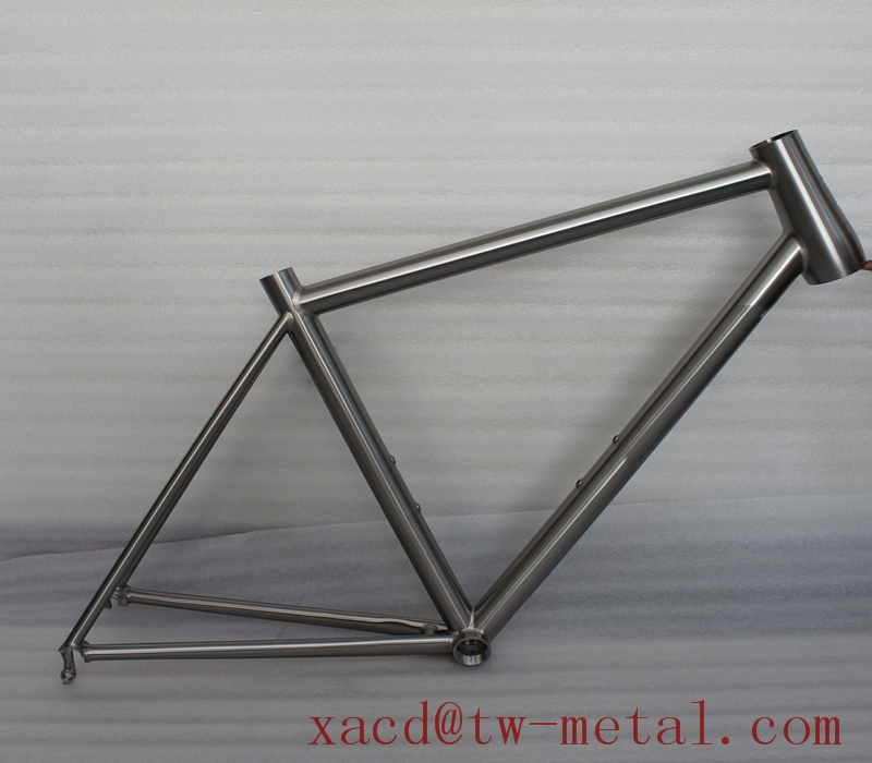 Titanium Road Bike Frame With Replaceable Dropouts And Taper Head Tube Xacd  Made Ti Road Bicycle Frame Oem Titan Bike Frame - Buy Road Bike,Custom