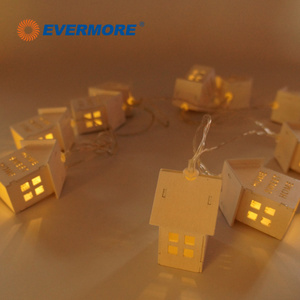 Evermore Battery Operated House Shaped LED String Lights for Outdoor Christmas Decoration