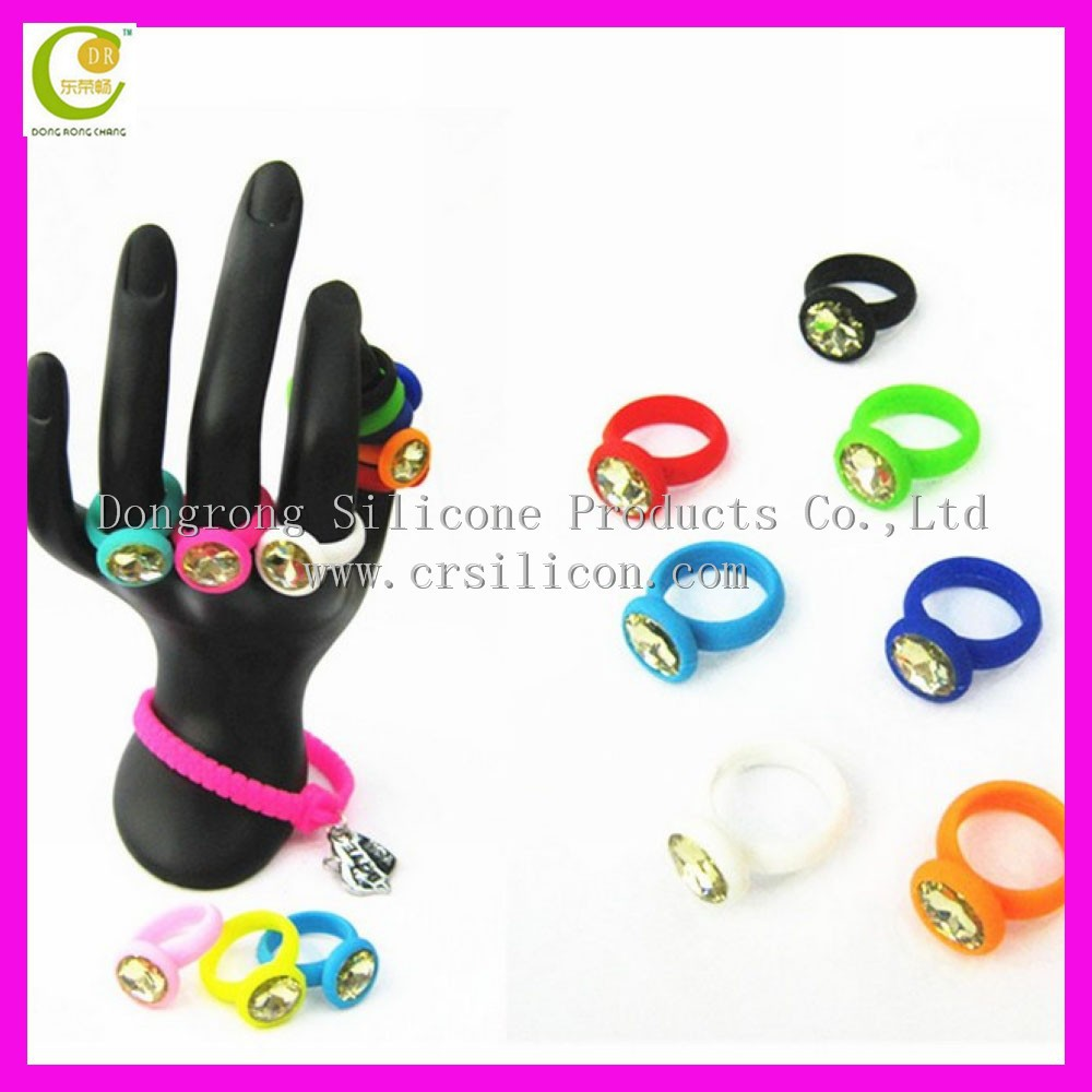 Non-toxic Fashion Design Hot Sale Crystal Silicone Rubber Wedding Rings For  Men - Buy Crystal Silicone Rubber Wedding Rings For Men,Crystal Napkin