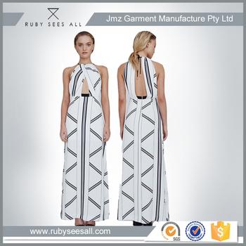 Neckholder Mode Junge Dame Long Beach Kleid Zurück Unsichtbarer ...