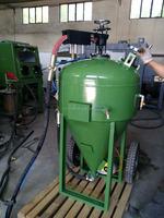 vacuum portable sand blasting machine / dustless blast pot