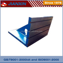 Angle plate with T-slot