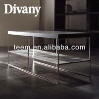 Modern Style Office Desk With Hutch