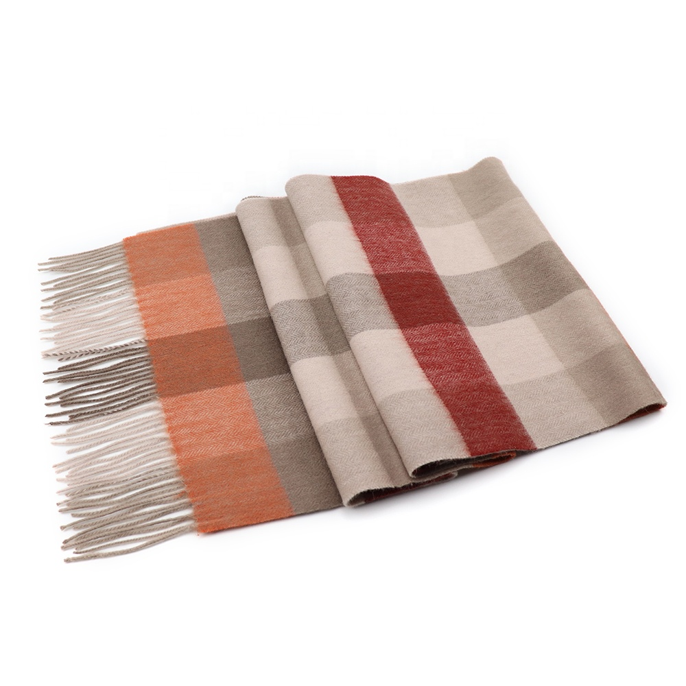 Classic Wild Women Winter Checkered Merino Yak Scarves Beige Colorful Tassel Scarfs China Wool Scarf Manufacturers