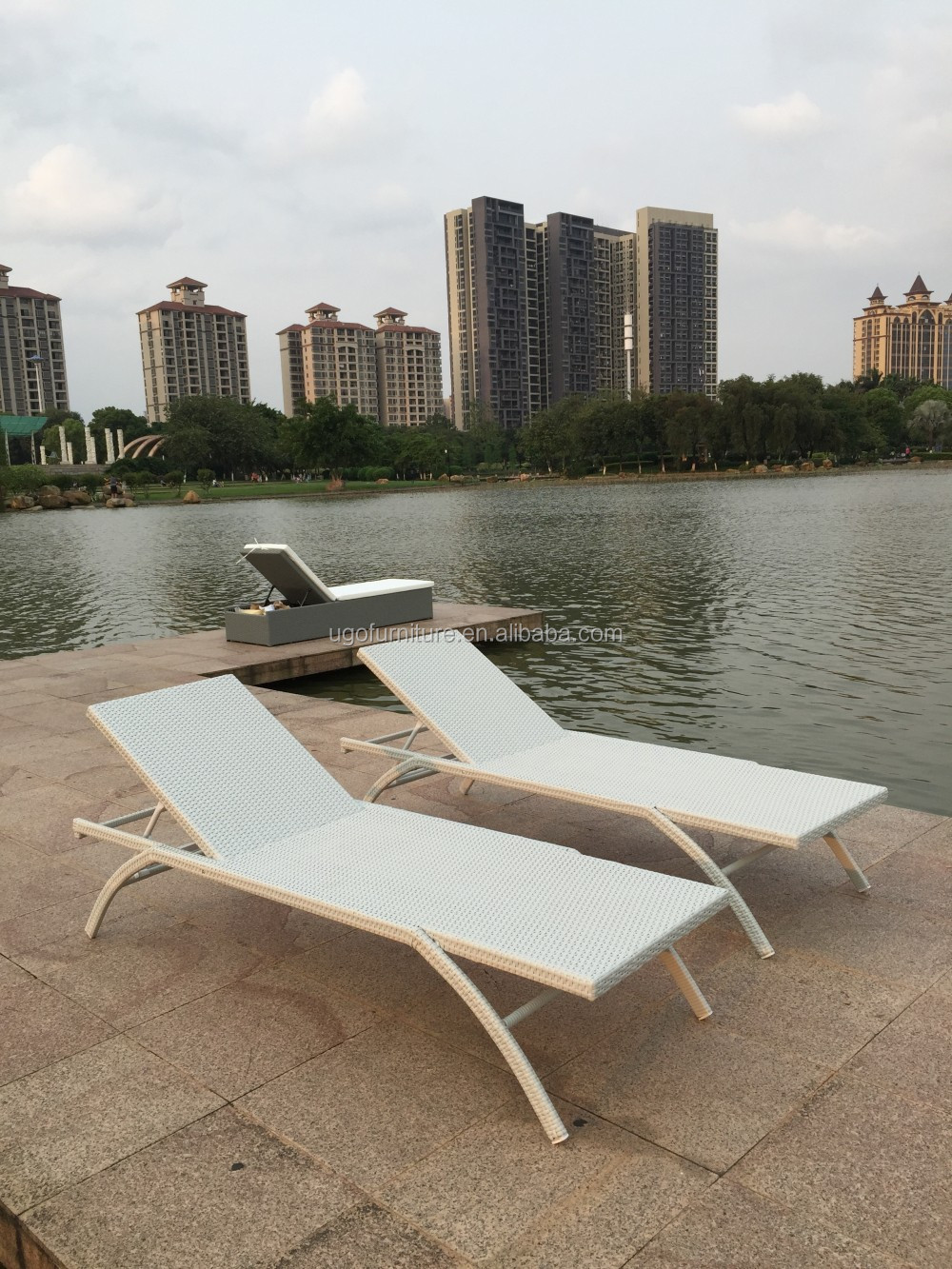 2016 new design double chaise lounges used outdoor rattan for Beach chaise lounge