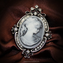 Yiwu manufacturer directly wholesale vintange style classic cameo brooch for garment accessories BRL0234