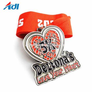 2019 China manufacturer custom heart shape marathon sports old metal medals with ribbon