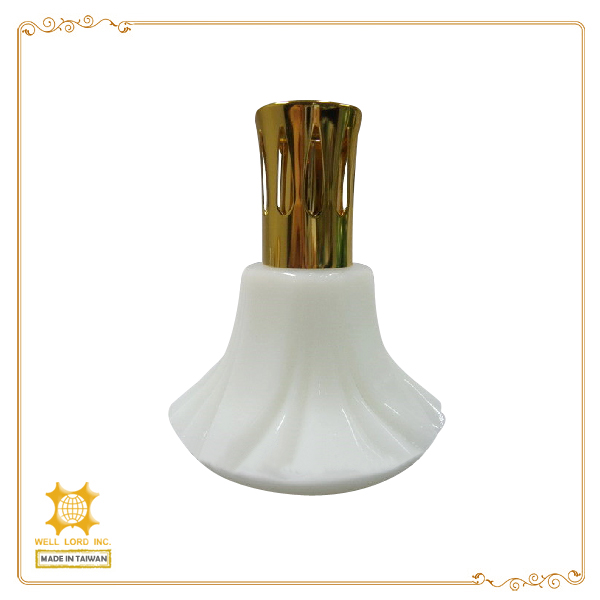 Classic unique design bottle with a metal cap luxury style incense warmer