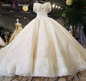 LS54110 Real luxury wedding gowns with royal trains modest bridal gown scalloped neckline wedding dress