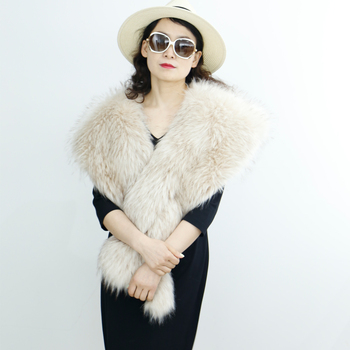 High quality good shape of ladies fashion fur cape shawl faux fur cape