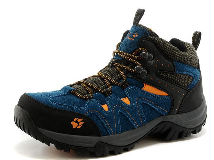 2015 The new non-slip waterproof high-top hiking shoes casual shoes men. 8816