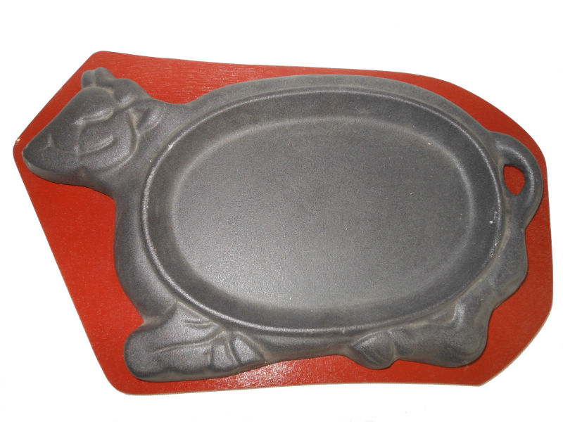 Cast Iron Black Painting Baking Pan With Heat Resisting