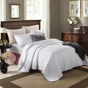 Soft textile sand wash King 100% cotton white quilted hotel bedspread