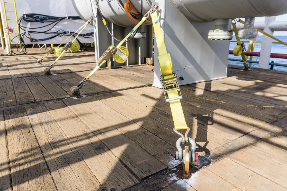 capacidad de amarre de 25 kN Correa de tensi/ón de 50 kN con trinquete azul claro 4 x Correa de trinquete con correa de tensi/ón Correa de trinquete de 6 x 5 cm