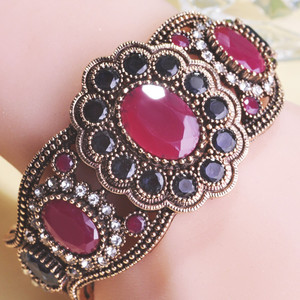 Luxurious Wholesale Turkish Secret Bijouterie Red Vintage Jewelry Width Round Resin Cuff Bracelet Bangles