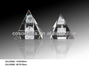 pyramid shape carving glass crystal trophy