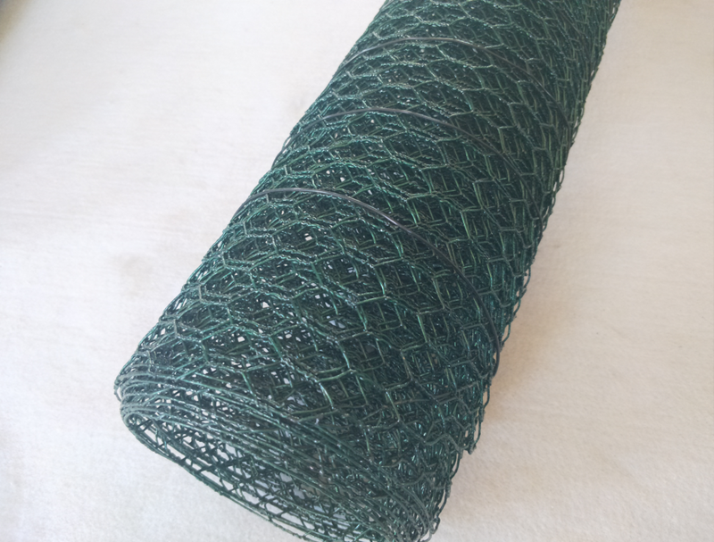 Crab And Crawfish Mesh Hexagonal Netting 20 Gauge - Black  3/4'' Mesh 36''X150'