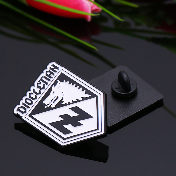 Custom Metal alloy black plating hard enamel Military lapel pin badge