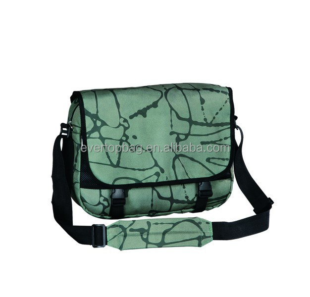 Made in china army green shoulder bag with water bottle holder