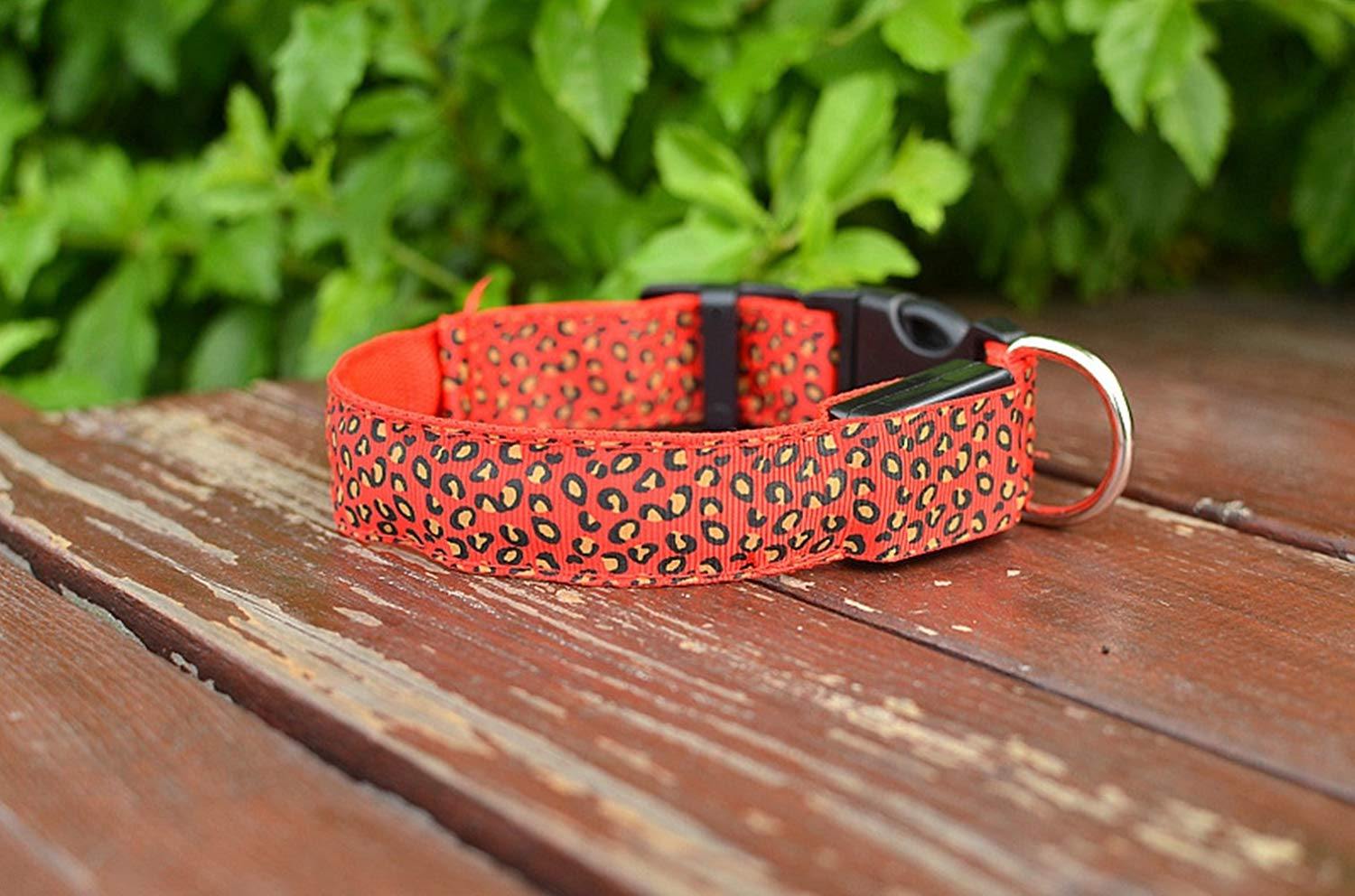 Just_for you - Fashion Nylon Leopard Spots Luminous LED Dog Collar Flashing Glow in Dark Pet Collars Night Light Pet Supplies (Size XL).