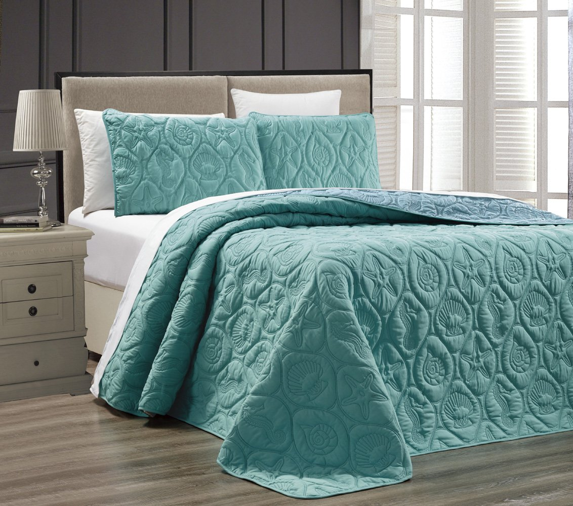 3-Piece Tropical Coast Seashell Beach KING Oversize OVERSIZE Bedspread TURQUOISE / BLUE Reversible Coverlet Embossed Bed Cover set. Sea Shells, Sea Horse, Starfish etc.