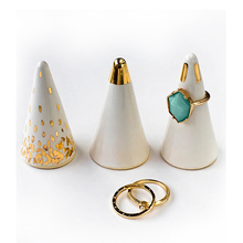 high-quality elegant Gold Plated Cone Ceramic Ring jewelry holder