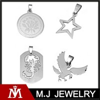 2015 New Cutting Scorpions Stainless Steel Mens Gold Dog Tag Pendant Necklace