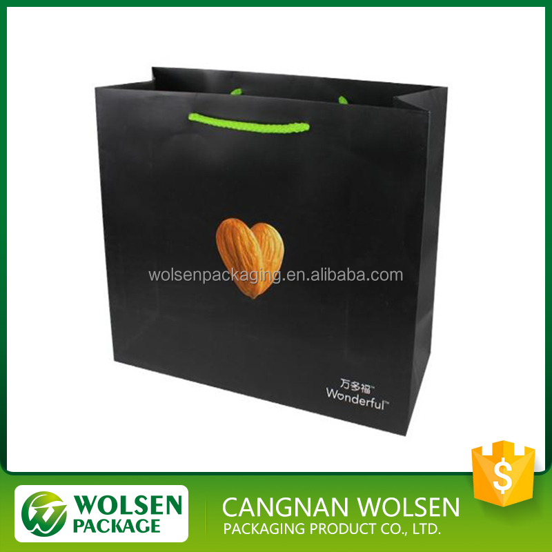 2016 new design high quality customzied luxury black kraft paper bag