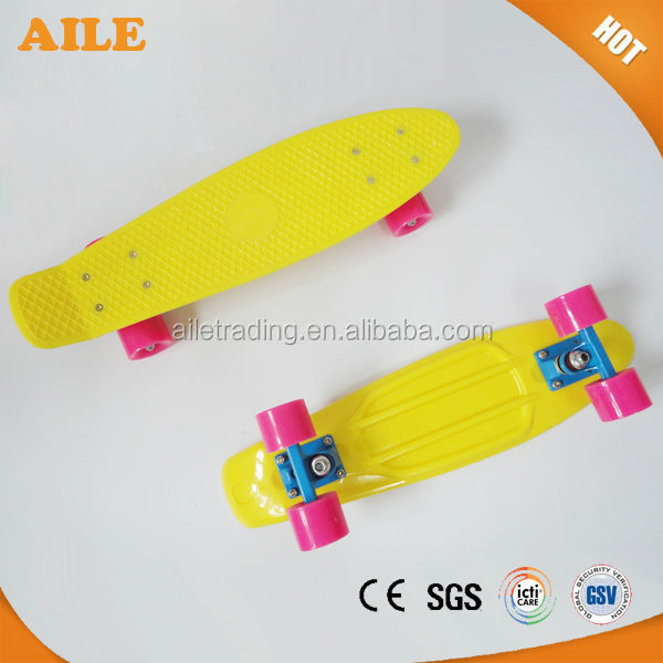 Free Shipping High Quality New Mini Cruiser Plastic Fish Skateboard Complete