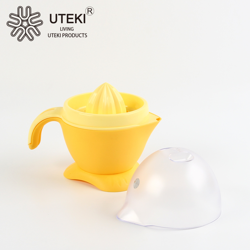 Hot sale plastic hand juice squeezer with lid