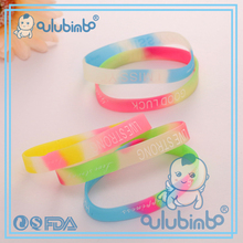 2017 fashion jewelry and colorful rainbow silicone bracelet