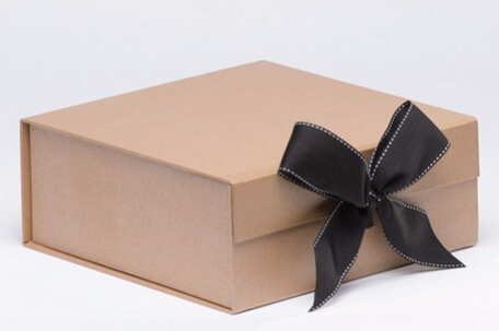 date papier mat carton cadeau bo te pliante pour de luxe sac main d 39 emballage avec un ruban de. Black Bedroom Furniture Sets. Home Design Ideas