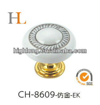 Modern Extravagant Zinc Die Casting Handle with Point Ceramic