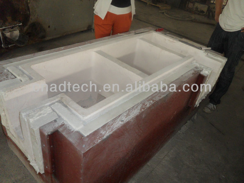 High alumina refractory filter box with pre-fabricated lining