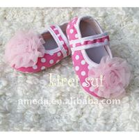 Girl Baby Pink White Polka Dots Crib Shoes with Light Pink Rosettes GSM606