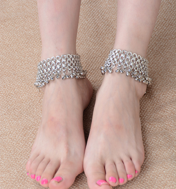 Lady Retro Barefoot Sandal Foot Exaggerated Personality Bells Silver Beach Boho Anklet