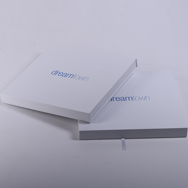 Cheap White Paper gift Box cardboard packing with Logo custom design