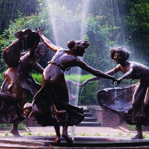 Metal water fountain bronze female sculpture for public decoration