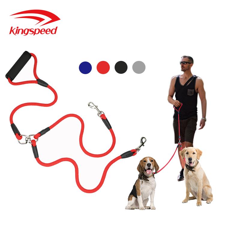 ที่มีสีสันที่เหนือกว่าโฟมเบาะสบายไนลอนจับ2จูงสุนัขสองหัวฉุดC Ouplerสุนัขตะกั่วสำหรับ2สุนัข
