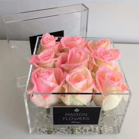 high quality transparent clear plastic flower acrylic rose logo flower box with lid buy clear. Black Bedroom Furniture Sets. Home Design Ideas