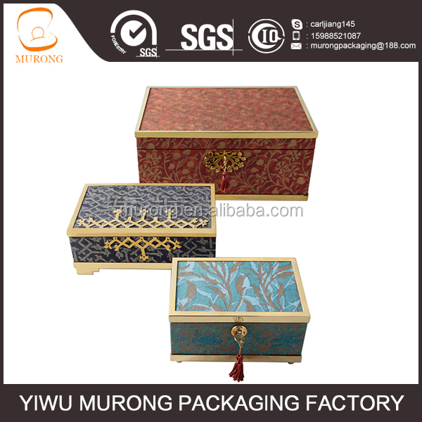 Luxurious wood keepsake box for store gift