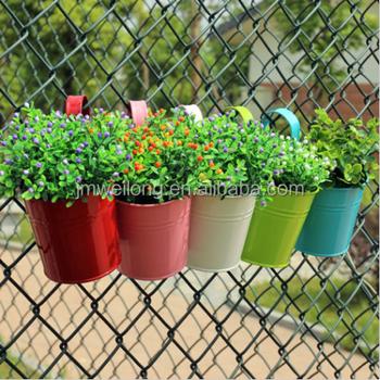 metal de la vendimia balcón maceta colgante flor planta ventana
