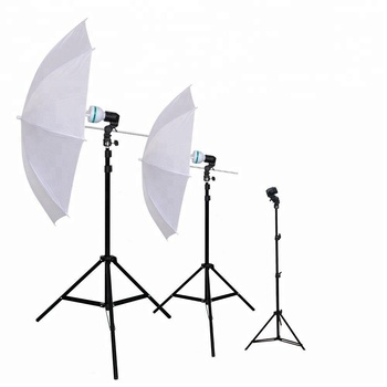 Triple 600W 5500K Photo Studio Day Light Umbrella Continuous Light Kit With Carrying Case, Professional Light for Studio