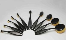 make up brushes that
