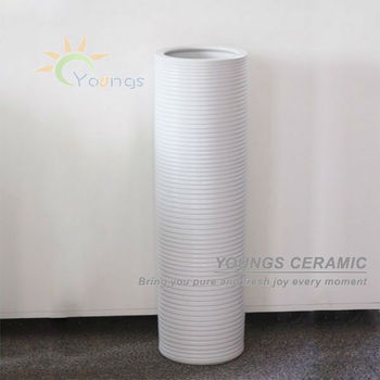 White Colour Hand Painted Porcelain Modern Floor Vases For Retail