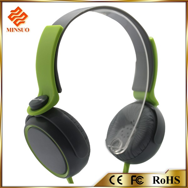 Wired stereo headphone with microphone