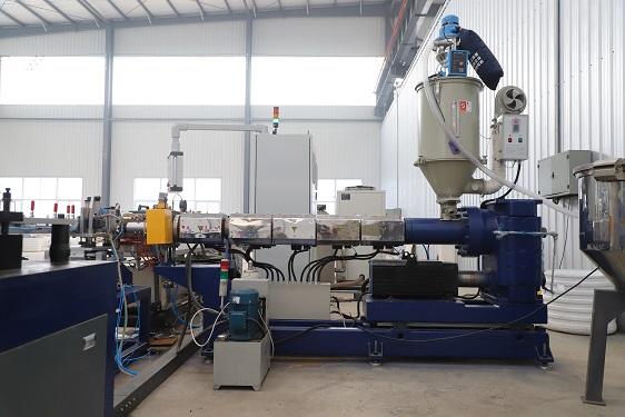 2019 Multifunctionele Druppelirrigatie Pijp Productielijn Machine/Plastic Ronde Druppelaar Irrigatie Pijp Apparatuur